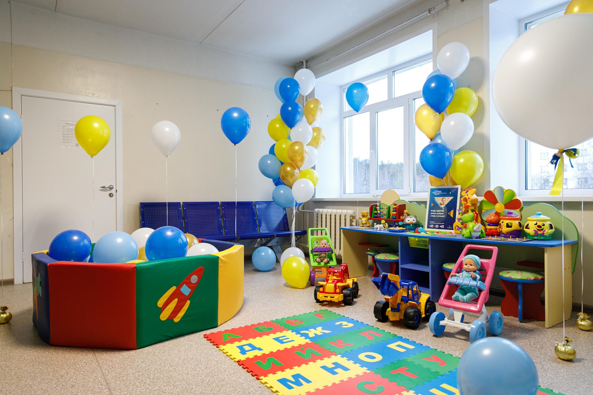 Детский уголок включает и мебель, и игрушки