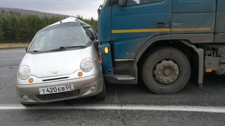 В Башкирии фура протаранила Daewoo Matiz. Погибла пассажирка легковушки