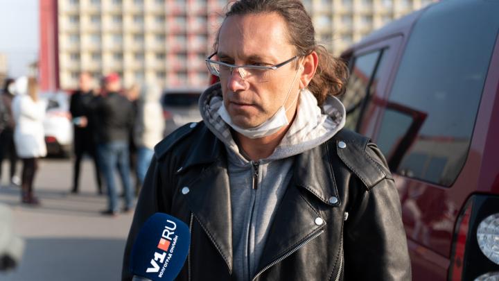 «Подойдешь ближе — убью»: соседи устроившего кровавую бойню Арсена Мелконяна рассказали об угрозах в свой адрес