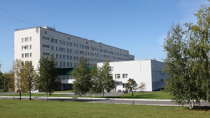 Страдала психическим расстройством: в Уфе из окна COVID-госпиталя выпала женщина
