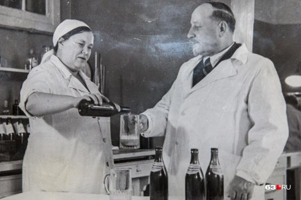 Александр Касьянов дегустировал не больше 0,5 литра в день. Пенный напиток он предпочитал пить из бокалов, но, видимо, для постановочного фото согласился взять в руки кружку