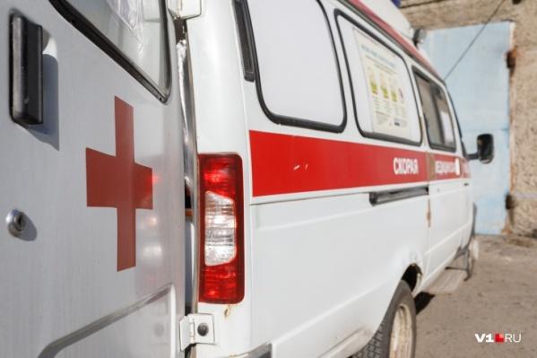 К женщине дважды выезжали медики, спасти её не удалось