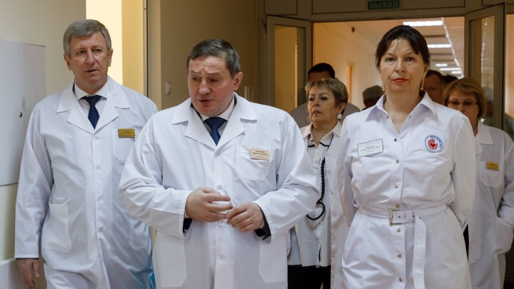 В Волгограде госпитализировали главврача провизорного госпиталя по коронавирусу