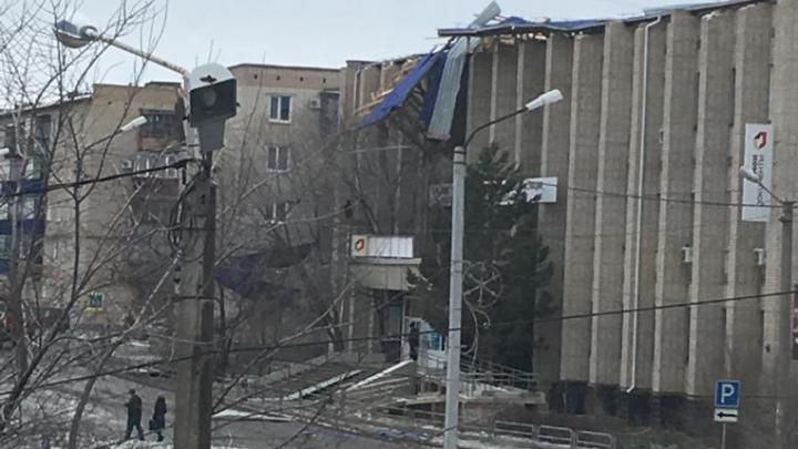 Шквалистый ветер снёс крыши полутора тысяч домов в городе Челябинской области