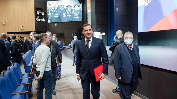 Оркестр и праздничные селфи чиновников: как прошла инаугурация Цыбульского — фоторепортаж
