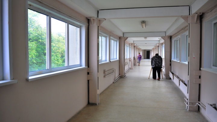 Больницу № 23 закрыли для посещения, чтобы туда не проник коронавирус