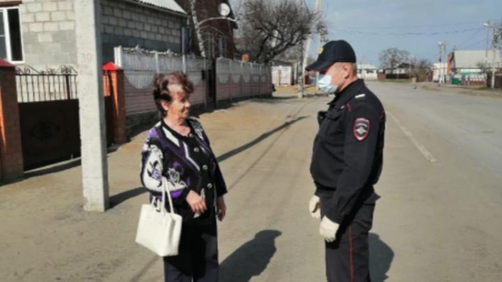 Ростовские полицейские начали патрулировать улицы в поисках нарушителей карантина