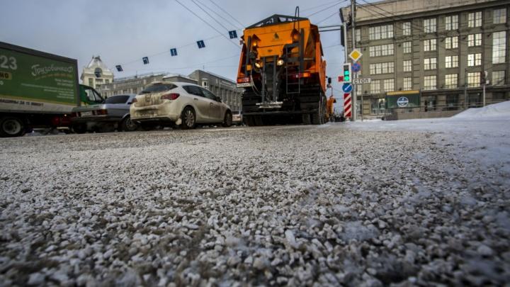 В городе всё-таки возможен белый снег: почему коммунальщикам Челябинска стоит отказаться от соли и песка