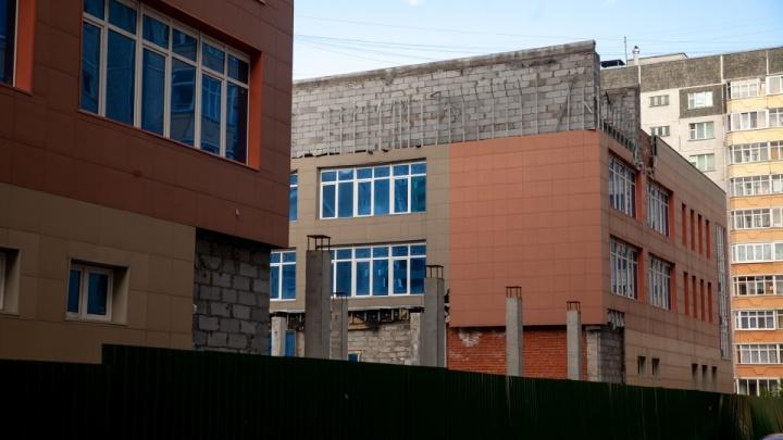 Из старого долгостроя в Тюмени планируют сделать поликлинику: рассказываем о проекте и стоимости