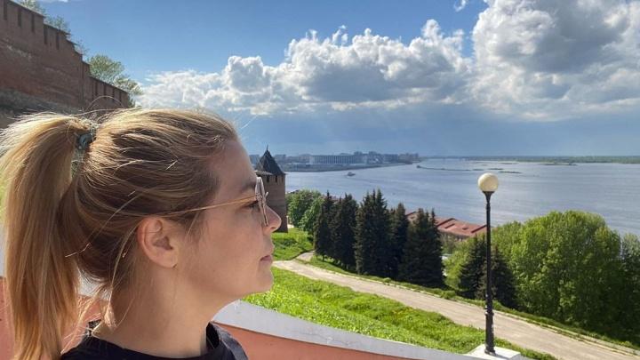 Ирина Пегова прогулялась по «великому и родному» Нижнему Новгороду