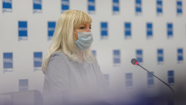 «Одни паникуют и требуют КТ, другие с вирусом гуляют по городу»: главврач поликлиники — о том, как лечат COVID-19 в Волгограде