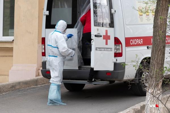 Сейчас в Новосибирской области более 1500 заразившихся медиков