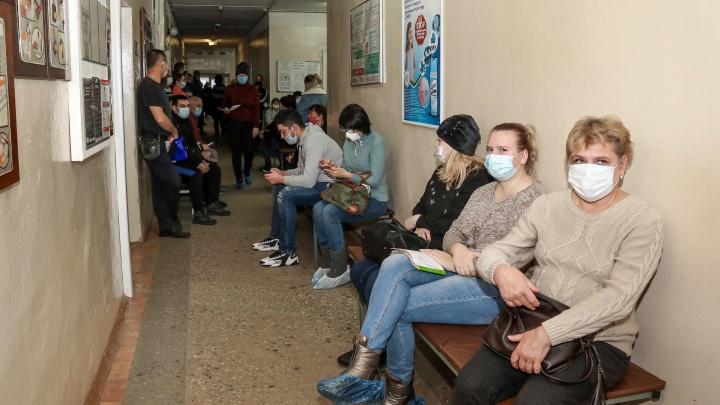«Задействованы все силы»: Мелик-Гусейнов рассказал, что сейчас происходит в поликлиниках