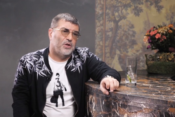 Евгений Гришковец родился и вырос в Кемерово. Уехал из города в конце 90-х