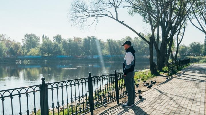 Как в Омске озеро благоустраивали: что произошло за год с ремонтом на Кирпичке