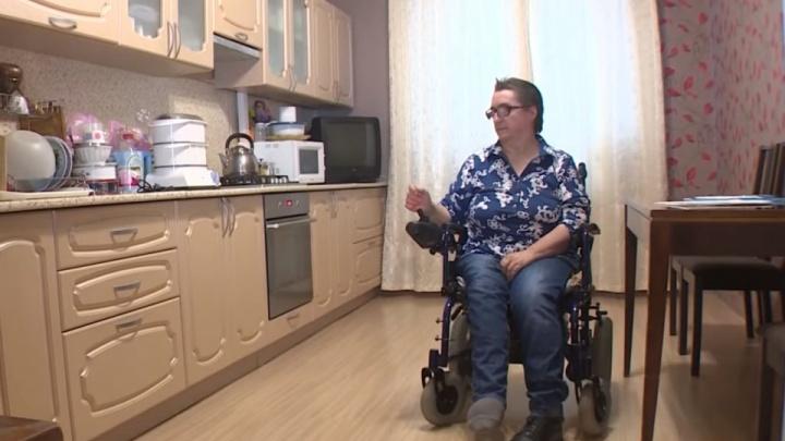 Женщина-инвалид из Уфы 10 лет не может добиться установки пандусов в своем доме