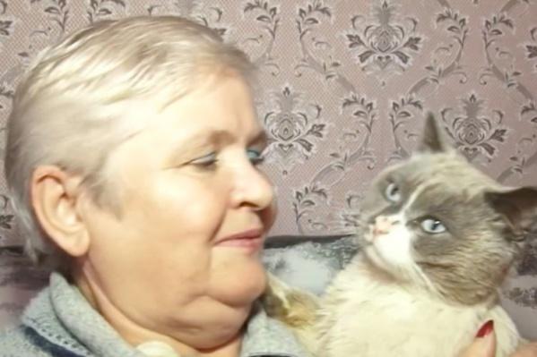 Анна очень обрадовалась возвращению кота