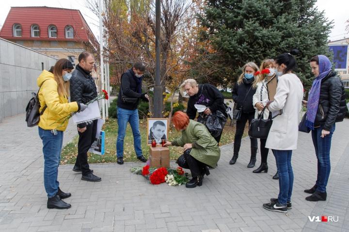 Коллеги Романа Гребенюка просят наказать зачинщицу конфликта