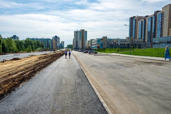 Завершить пешеходную зону раньше срока позволил переход на усиленный режим работы накануне Дня знаний<br>