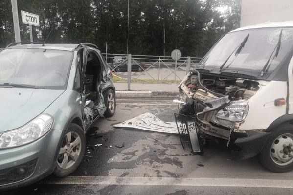 Водитель иномарки скончался на месте