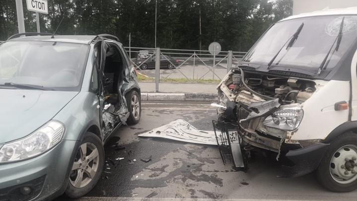 Смертельная авария под Новосибирском: водитель «Сузуки» не уступил дорогу грузовику