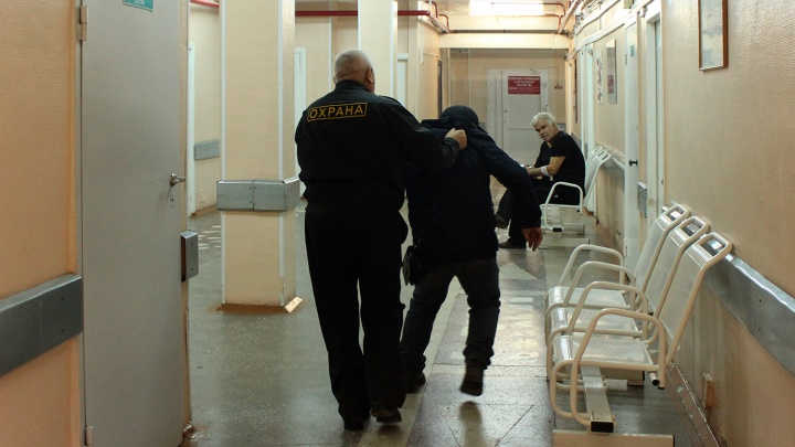 «Мои коллеги — настоящее хамло»: откровения омского врача о невоспитанных медиках