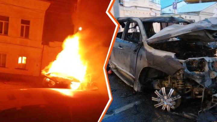 «Извините, не смог ее достать»: свидетель рассказал, как пытался вытащить женщину из горящего Lexus