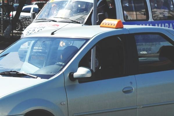 На такси можно ездить не только по городу, некоторые тюменцы заказывают машину в соседние регионы
