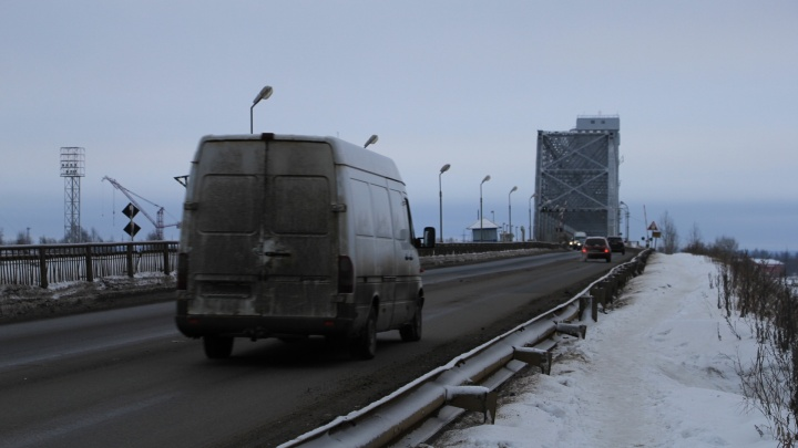 С 1 апреля на Северодвинском мосту ограничат движение транспорта