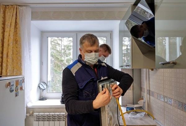 Власти объяснили, законны ли проверки газовщиков в квартирах челябинцев во время самоизоляции