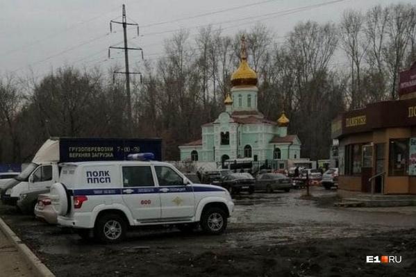 На помощь прихожанам храма Ксении Петербургской пришли силовики