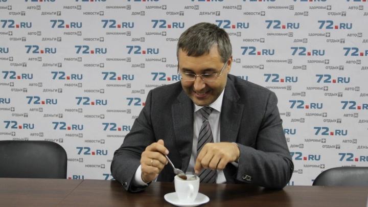 Экс-ректор тюменского вуза Валерий Фальков выздоровел от COVID-19. Но что болел — никому не сказал