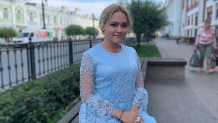 Омская студентка поступила в университет Китая и теперь на парах поёт «Катюшу» и читает Лермонтова