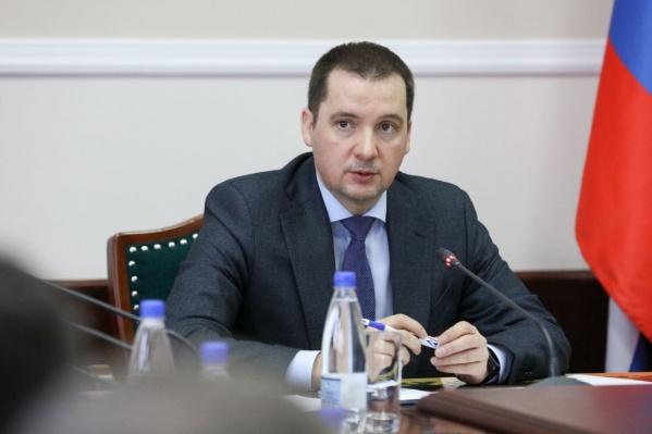 Для того, чтобы руководить — хоть и временно — Архангельской областью, Александр Цыбульский подал в отставку как губернатор НАО