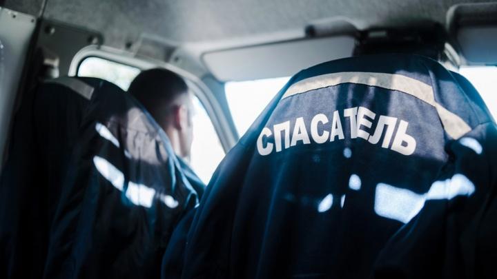 Спасатели из Тюмени помогли 4-летнему мальчику, у которого рука застряла в батарее