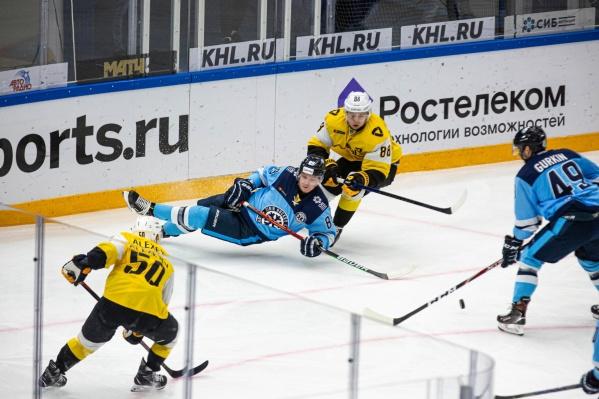 Игра проходила в ЛДС «Сибирь»