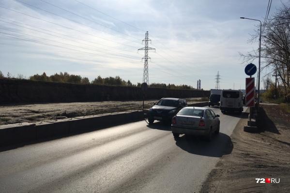 В скором времени возобновится реконструкция дороги в заречной части улицы Мельникайте