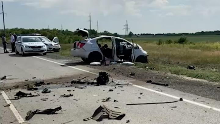 Врезался в попутный автовоз и встречную фуру: семья из Екатеринбурга разбилась в ДТП под Камышином