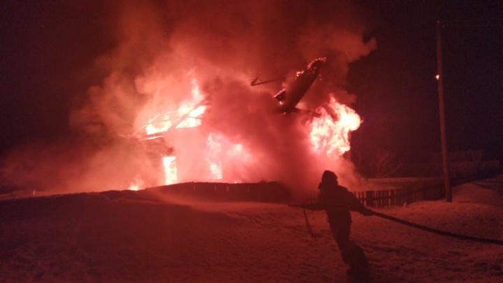 В Башкирии загорелся жилой дом, погиб мужчина