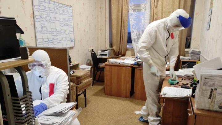 В больнице Котласа увеличили до 200 количество коек в инфекционном отделении
