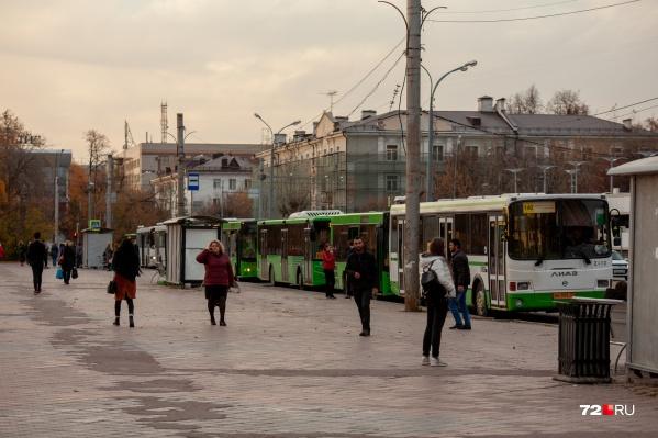 Санврачи считают, что водители автобусов и такси (и пассажиры тоже) плохо соблюдают масочный режим