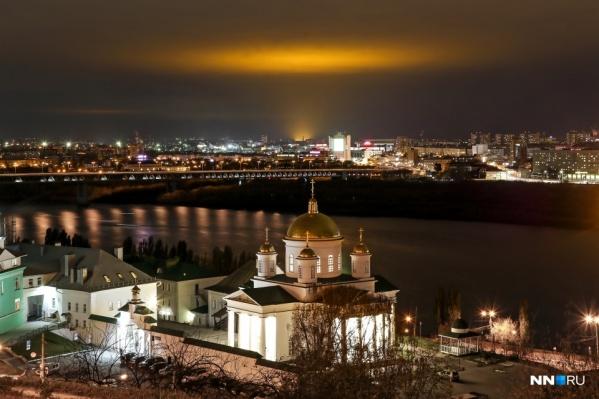 Золотое зарево видно почти из каждого района Нижнего Новгорода