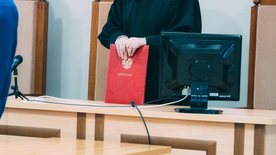 В Омске оправдали полицейского, обвиненного в хранении наркотиков