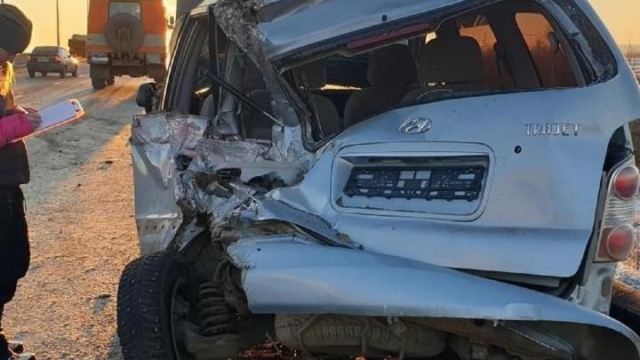 На подъезде к Красавинскому мосту в ДТП пострадал водитель иномарки