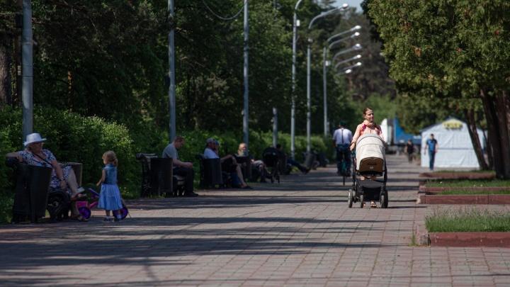 Вспышка в ЧВВАКУШе и конфликт с полицейским из-за маски. Онлайн-репортаж о коронавирусе в Челябинске