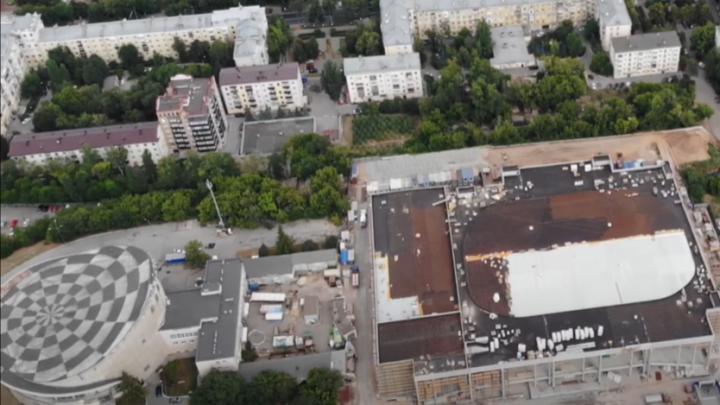 Обрел форму: блогер снял на видео новый этап строительства Дворца спорта в Самаре