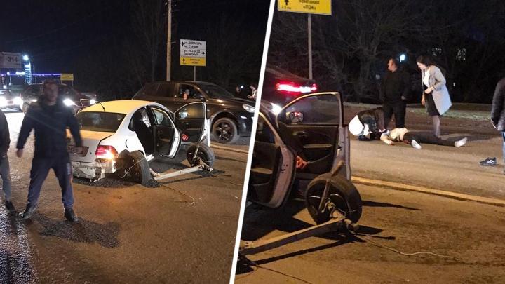 В Ростове на Западном лоб в лоб столкнулись две иномарки. Виновник аварии был пьян