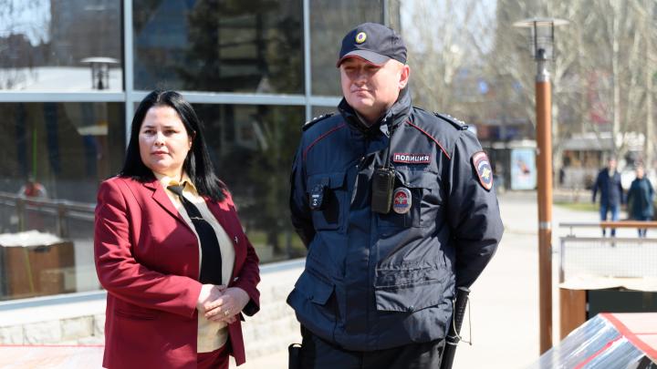 «Это полумеры, людей и так нет»: в Волгограде полиция и чиновники обошли кафе после закрытия