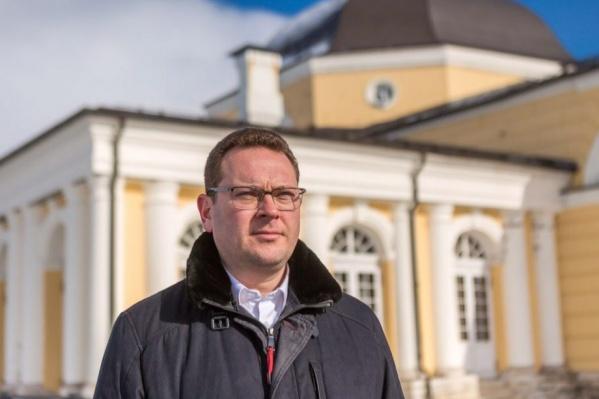 Юрий Шевелев пытается признать недействительными подписи, отданные за зарегистрированных кандидатов