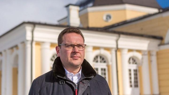 Юрий Шевелев в Санкт-Петербурге судится с зарегистрированными кандидатами в губернаторы Поморья